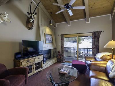 R2136 by Mountain Resorts: Easy Access to Winter Events*Pool, Hot Tub & Fitness Center*