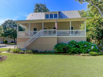 Photo for Free $200 Harris Teeter Gift Card, Near Beach, Lots of Porch Space! Luxury Furnishings