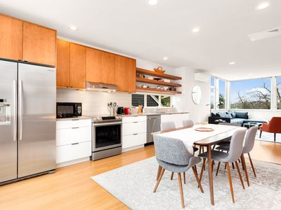 Centrally Located Modern Townhouse with a View