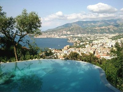 Photo for One bedroom Villa, sleeps 2 in Sorrento with Pool, Air Con and WiFi