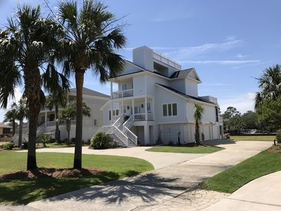 413 Tarpon, two great front decks, rooftop deck. Beautiful sunsets and sunrises