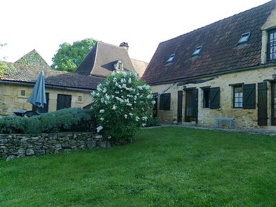 Photo for Family Cottage 8 pers. with pool in the Black Perigord