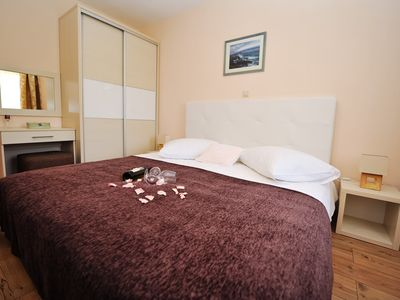 Photo for Panoramic 4* Apartment with Sauna, Gym & Pool 7