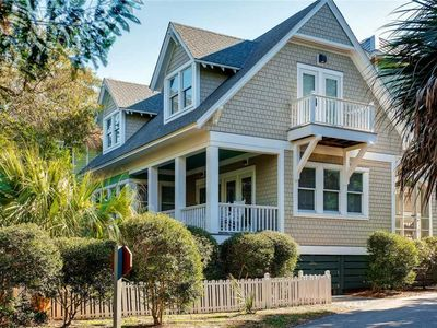 Photo for Conch Cottage: 3 BR / 3.5 BA  in Bald Head Island, Sleeps 8