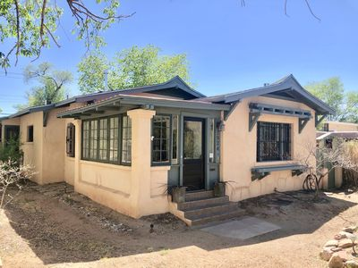 Photo for Historic Bungalow w/porch, 1bd/1ba, Walk to UNM
