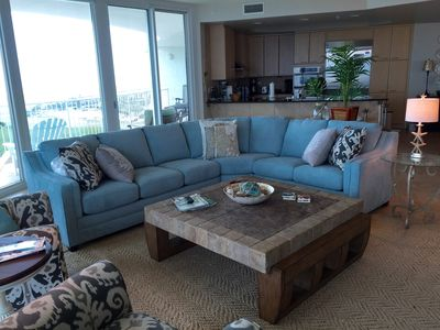 Large Corner Living Room with Queen Sleeper Awesome views - Beach and Ono Island
