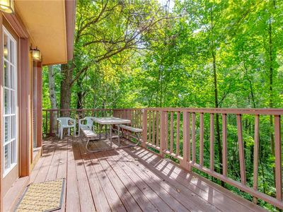 Photo for Smoky View Chalet, 2 Bedrooms, Pool Table, Foosball, Pool Access, Sleeps 6