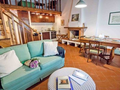 Photo for 3 bedroom Apartment, sleeps 6 in Oltrarno with WiFi