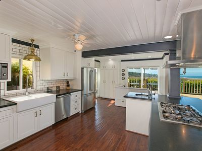 Track season rental with view of track & ocean all in walking distance