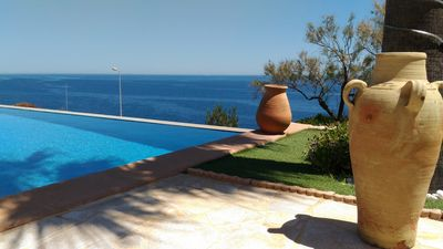 Photo for Sea view studio, heated, air-conditioned swimming pool, 2 to 4 people, Saint-Raphael.