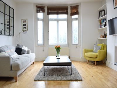Photo for Spacious One Bed in Central Putney - One Bedroom Apartment, Sleeps 2