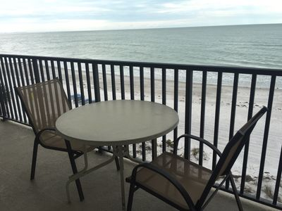 Sit and have breakfast or a drink and enjoy the waves.