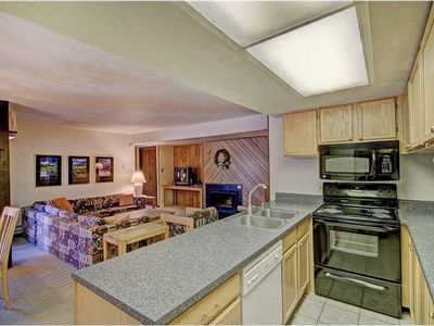 Photo for Spacious 2bd+1ba just 3min bus shuttle to Keystone slopes