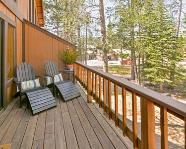 Photo for Comfortable 2BR Tahoe Donner w/ Deck – Access to Five-Star Amenities