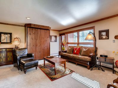 Photo for Ski-in/ski-out condo with mountain view, on-site pool, on-site hot tub