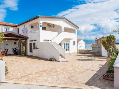 Photo for Air-conditioned apartment | WiFi internet | 70 meters from the beach