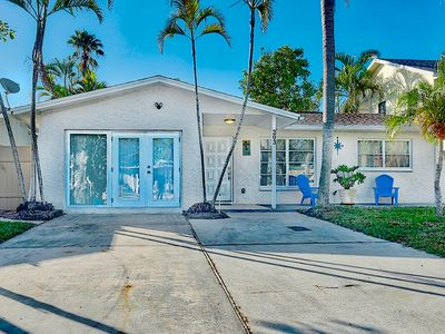 Photo for Fantastic Indian Rocks Beach House with 3 Bedrooms/2 Baths. Dogs Welcome.