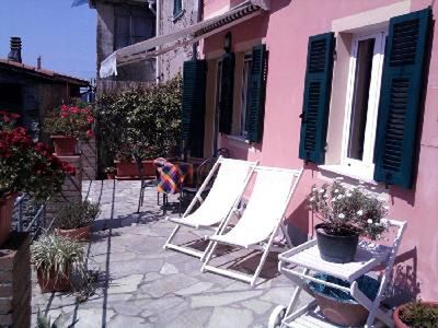 Photo for Studio in LEVANTO - Fraz. CHIESANUOVA, a few km from 5 Terre