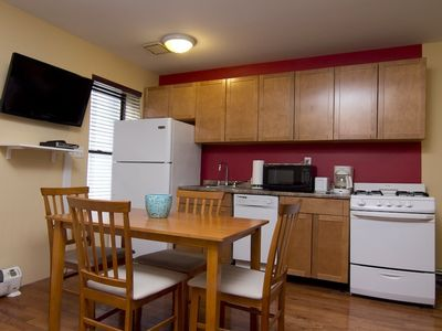 Photo for Midtown East Large Spacious 2 Bed 1 Bath Corporate Retreat