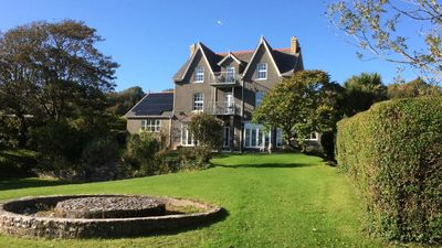 Photo for The Hollies is situated in the beautiful area of Horton in the Gower Peninsular