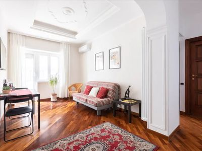 Photo for Anton Inn - Bright and cozy apartment 20 minutes from St. Peter's