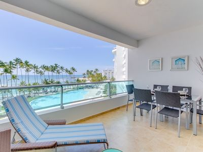 Photo for Oceanfront condo w/ocean view, balcony & shared pool and playground