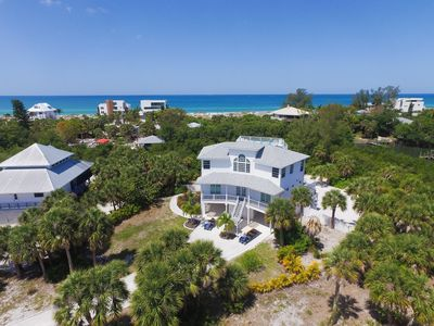 Photo for Built in 2015 with spectacular views of the turquoise waters of the Gulf of Mexico and the white san