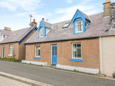 Photo for ROCKLYN, pet friendly, country holiday cottage in St Abbs, Ref 958699