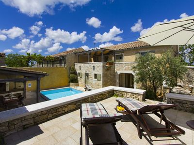 Photo for Careffuly restored old Istrian villa with private pool and sauna