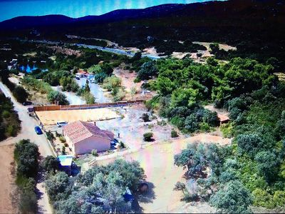 Photo for Villa between land and sea, at the foot of the Gardiole and 6km from the beaches