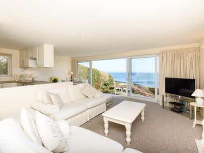Photo for Lovely bungalow with fabulous views