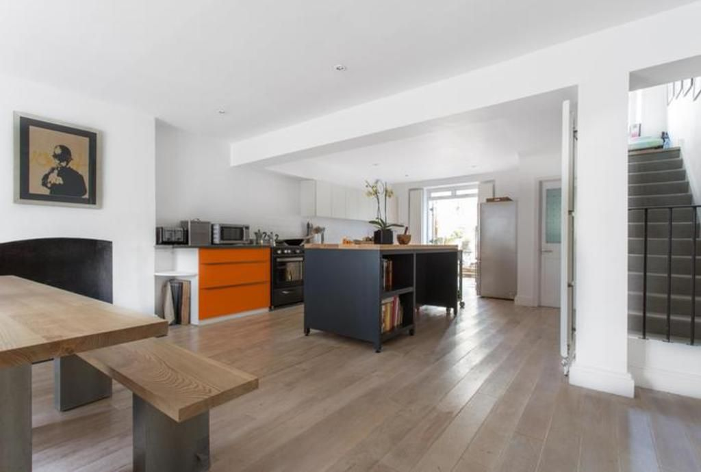 London Home 53, The Complete Guide to Renting Your Exclusive Holiday Home in London - Studio Villa, Sleeps 6