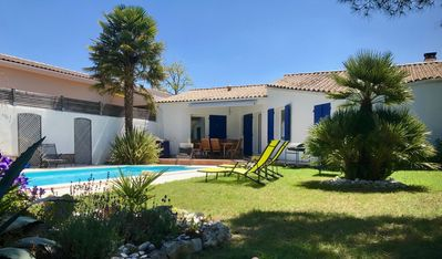 Photo for Charming house with heated pool 2 km from the sea