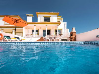 Photo for This 4-bedroom villa for up to 10 guests is located in Albufeira Centre and has a private swimming p