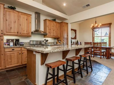 Photo for Luxury Mammoth condo at The Lodges in Snowcreek VI. 2 car garage