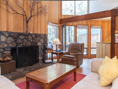 Photo for Modern, rustic house w/ shared pool, hot tub, sauna, & tennis courts!