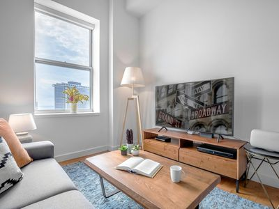 Photo for Spectacular FiDi 1BR w/ City views, Gym + Doorman by Blueground