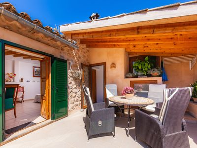 Photo for Charming holiday home in the centre – Casa Can Murons