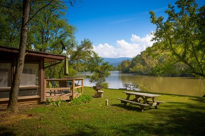 Misty River Retreat is right on the Shenandoah River