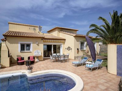 Photo for A fabulous 3 bedroomed villa with panoramic sea views and very private pool.