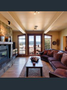 Lakeview Penthouse - Downtown McCall and 2 blocks to the lake