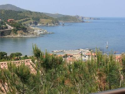 Photo for Apartment F2 in residence with magnificent sea view, mountain and village