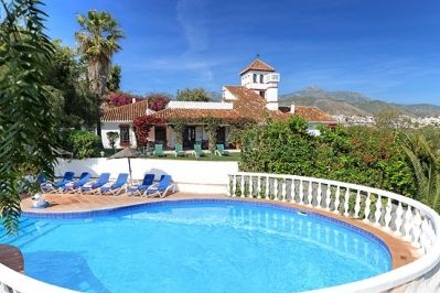 Photo for 6 bedroom Villa, sleeps 12 in Nerja with Pool and WiFi