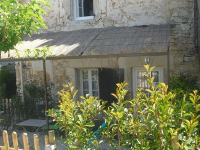 Photo for Studio for 2 people. Fully equipped. Private fenced garden. 4 km from Gordes