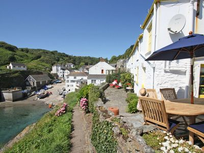 cottage holidays bay portloe portle self holiday peninsula roseland cottages catering