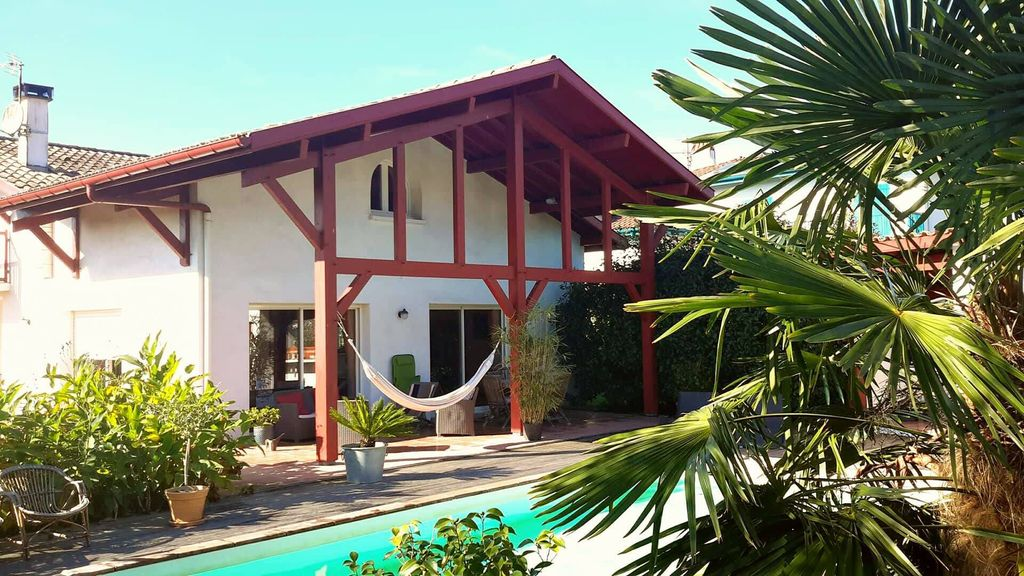 Property Image#25 Neo Basque Villa With Pool Arcangues 10 Minutes Biarritz