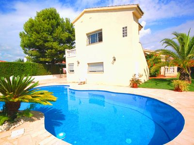 Photo for Comfortable villa for 8 people with large private pool. Sea at 900 meters