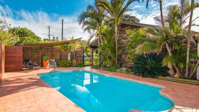 Photo for 40 Underwood Road with Swimming Pool, Linen and WiFi.