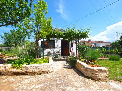 Photo for Holiday apartment Kanfanar for 2 - 3 persons with 1 bedroom - Holiday apartment
