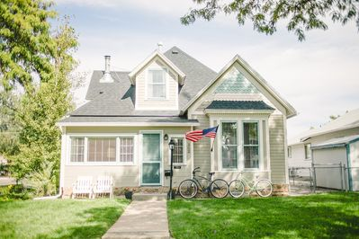 This 1897 Queen Anne Victorian has been completely updated